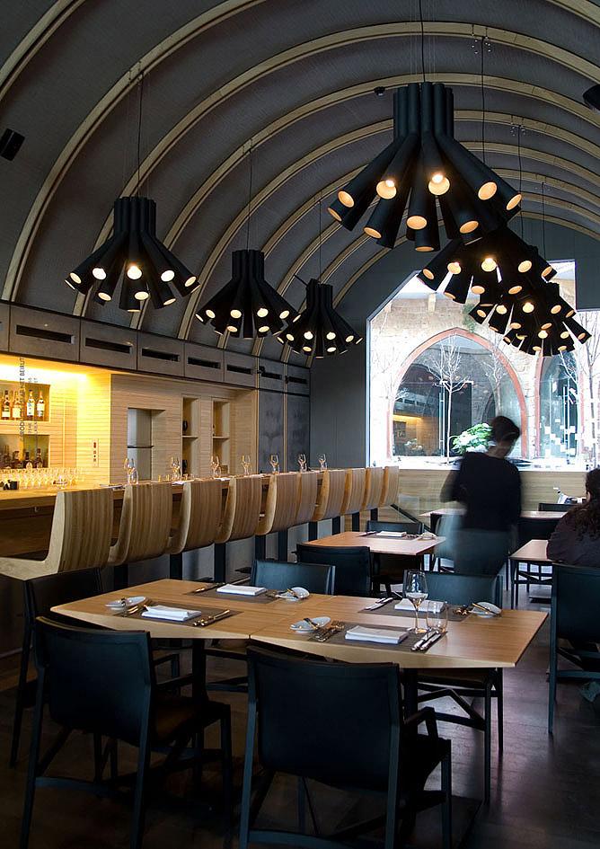 Преображение интерьеров ресторана светильниками студии  PSLAB