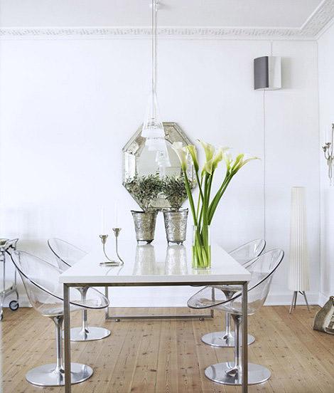 Белый интерьер в скандинавском стиле от дизайнера Нины Кеджсер