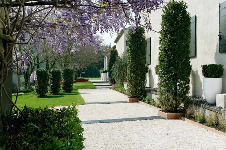 Красивое имение 18 века с современными интерьерами