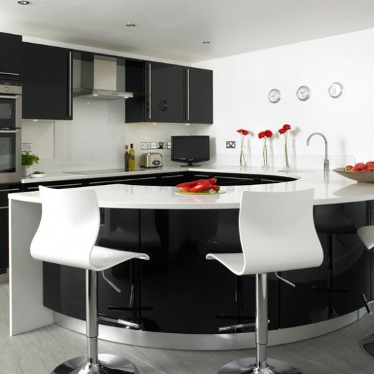 Стильные кухни в интерьере фото