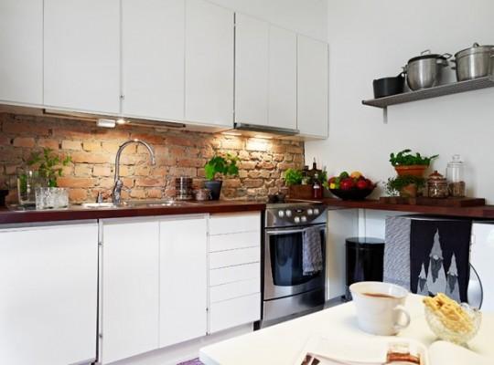 Использование кирпича в отделке кухни