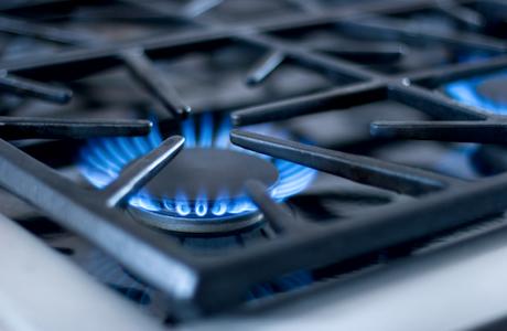 Какая кухонная плита лучше - газовая или электрическая