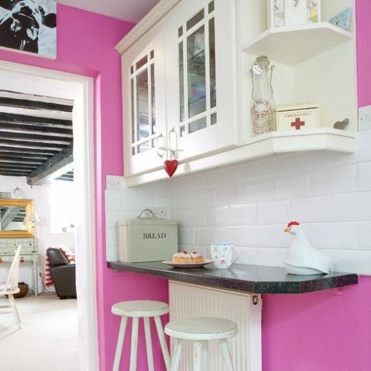 Кухня в розовом цвете - за и против