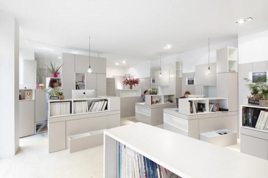 Интерьер небольшого офиса с большими возможностями