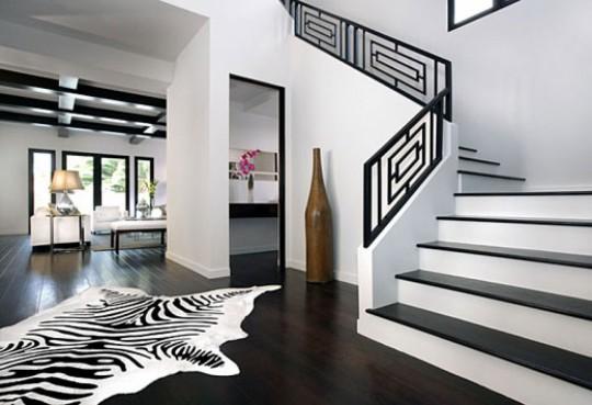Животные принты - рисунки леопарда и зебры в интерьере