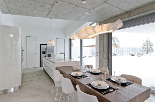 Интерьер квартиры с большим количеством бетонных поверхностей