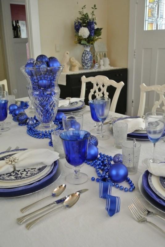 Украшения новогоднего стола для встречи 2014 года